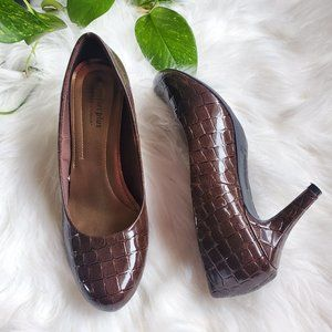 Comfort Plus by Predictions Brown Alligator Heels